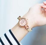 ハートモチーフ腕時計